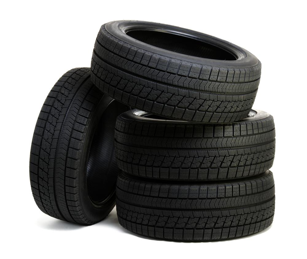タイヤについているヒゲは「スピュー」!スピューの必要性とは?